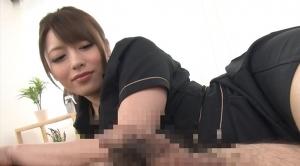 チンコが勃起してくる様子を見る桜井あゆ