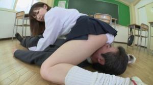 JKがセクハラ教師に顔騎