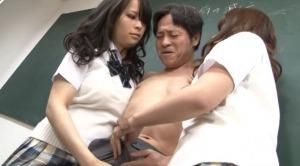 ドSな女子校生が2人で変態マゾ教師をいじめる