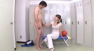 女教師に無理やり手コキされる男子生徒